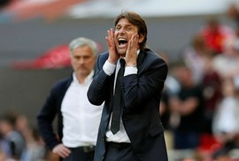 Chelsea sa thải HLV Conte, đền bù 9 triệu bảng
