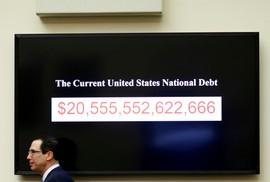 """Quả """"bom nợ"""" của thế giới"""