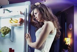 """Coi chừng ung thư vú và tuyến tiền liệt vì """"ăn xong lăn ra ngủ"""""""
