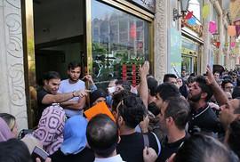 Ông Trump dịu giọng, Iran cứng rắn