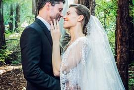 """Ngôi sao phim """"Tái bút, anh yêu em"""" làm đám cưới trong rừng"""