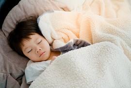 Tại sao ngủ ngon giúp bé thông minh hơn?