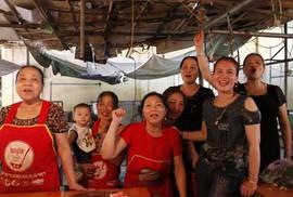 Cha mẹ gửi gắm gì trung vệ Bùi Tiến Dũng trước giờ Olympic Việt Nam quyết đấu Hàn Quốc?