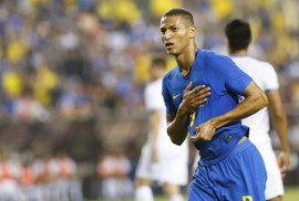 Brazil vùi dập El Salvador, Argentina bị Colombia cầm chân tại Mỹ