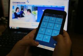 Có thể dùng Internet Banking, SMS Banking để chuyển đổi thuê bao 11 số