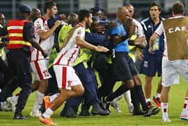 Hơn 53 trọng tài bóng đá Ghana bị treo còi vì nhận hối lộ
