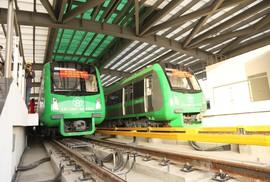 Cận cảnh lăn bánh chạy thử 5 đoàn tàu đường sắt trên cao Cát Linh-Hà Đông