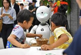 Robot giúp người khuyết tật làm việc