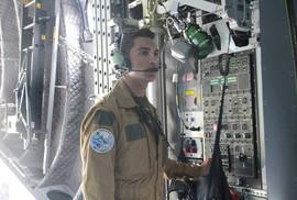 """""""Soi"""" nội thất máy bay A400M của không quân Pháp"""
