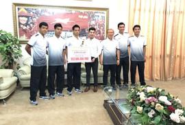 Đăng Quang Watch tặng quà lên đến hơn nửa tỉ đồng cho Olympic Việt Nam