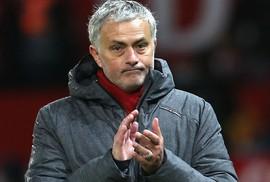 Mourinho quyết định tương lai với M.U
