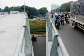 Ngày 18-1, thông xe cầu vượt nút giao Nguyễn Kiệm - Nguyễn Thái Sơn, xe đi thế nào?