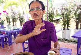 Lão nông 70 tuổi tiết lộ lí do trồng toàn hoa kiểng màu tím, thu hơn 15 tỉ/năm