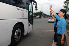 """Chương trình """"Tấm vé nghĩa tình"""": Ấm áp lễ tiễn 1.500 công nhân về quê đón Tết"""