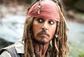 """Johnny Depp bị đá khỏi vai """"cướp biển"""" vì thù lao quá lớn"""