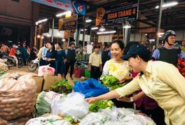 TP HCM: 27 Tết, sức mua ở nhiều chợ lẻ vẫn chậm