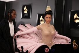 """Ngắm mỹ nhân """"chiếm sóng"""" thảm đỏ Grammy 2019"""