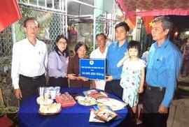 Tổng LĐLĐ Việt Nam hỗ trợ gia đình cán bộ Công đoàn bị mất do tai nạn giao thông