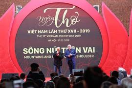 """Ngày thơ Việt Nam 2019 - """"Sông núi trên vai"""""""