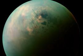 """Mặt trăng Titan tồn tại """"dạng sự sống mê-tan điên rồ""""?"""
