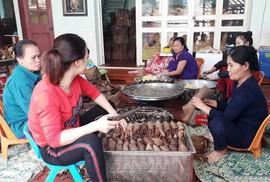 Thơm ngon đặc sản bánh gai tiến vua ở xứ Thanh