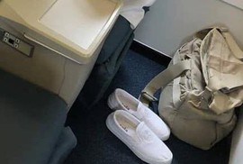 Đôi giày của ông Đặng Lê Nguyên Vũ