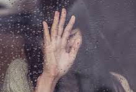 """Cô gái trẻ khóc hận vì quay """"clip nóng"""" gửi cho gã trai Hải Phòng"""