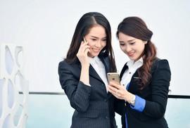 Viettel tặng thẻ Titan của Vietnam Airlines cho khách hàng nữ nhân ngày 8-3