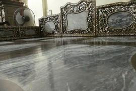 Truy tìm lai lịch chiếc giường cổ giá bạc tỉ ở Nam Định