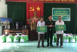 """Tặng """"Mái ấm cho người nghèo nơi biên giới"""" ở Quảng Ngãi"""