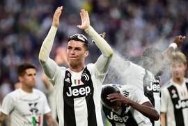 Mưa kỷ lục ngày Ronaldo vô địch Serie A cùng Juventus