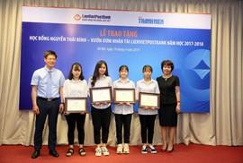 LienVietPostBank trao 143 suất học bổng cho sinh viên