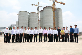 C.P. Việt Nam ký kết hợp tác xây dựng chuỗi sản xuất thịt gà an toàn dịch bệnh