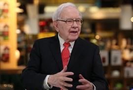 """Warren Buffett: """"Đừng bao giờ nghe theo những người như tôi"""""""