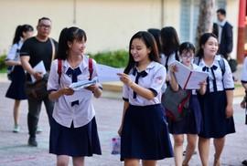 Thi THPT quốc gia: Đình chỉ 1 thí sinh, 2 cán bộ vì tung đề lên mạng xã hội