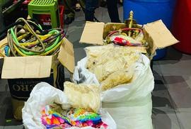 """""""Đột kích"""" hơn 20 quán bar ở Hà Nội, thu giữ 10.000 quả bóng cười"""