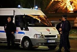 Hai vụ dọa đánh bom tại Paris