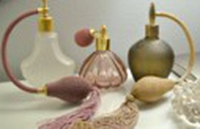 Những vị trí xịt nước hoa giữ mùi lâu