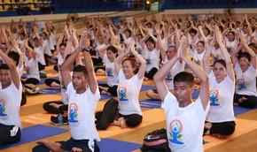 Yoga và bảo hiểm nhân thọ hỗ trợ đẩy lùi ung thư