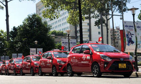 Vinasun ra mắt taxi đỏ