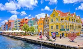Curacao mở cửa hoàn toàn, miễn phí khách sạn đón du khách