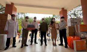 Quỹ Từ thiện Kim Oanh tiếp tục tặng 10 máy thở giúp tỉnh Bình Dương phòng chống dịch