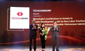 "Techcombank được vinh danh tại ""The Asia Human Resource Development Awards 2018"""