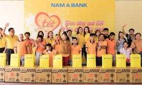 """Nam A Bank trao hàng trăm phần quà tết trong hành trình """"Tết yêu thương"""" 2020"""
