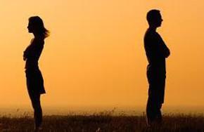Chẳng lẽ lại ly hôn khi tuổi đã xế chiều?