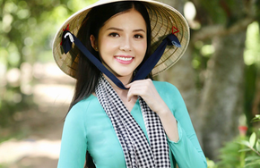 Hoa khôi Huỳnh Thúy Vi làm đại sứ lễ hội bánh dân gian Nam Bộ