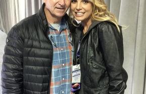 Britney Spears đưa người giám hộ ra tòa