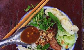 'Ăn hết' món ngon đường phố Đà Nẵng với 200.000 đồng