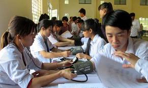 Bảo hiểm y tế học đường: Nhà nước hỗ trợ 30%, học sinh phải đóng bao nhiêu?