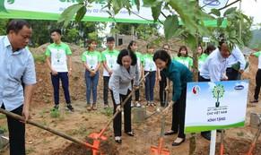 """""""Uống nước nhớ nguồn"""", Vinamilk trồng 100.000 cây xanh tại khu di tích lịch sử quốc gia Nà Tu"""